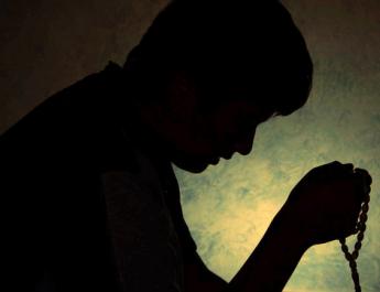pemuda ahli ibadah