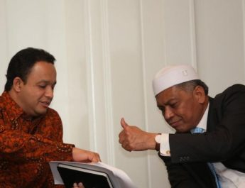 baswedan-pitsuwan-thumbs-up-jpg-57657e5bf67e61e904380e08