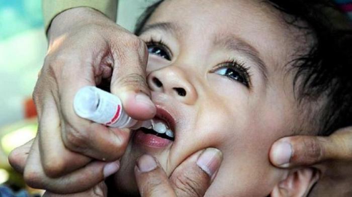 vaksin-polio_20160305_114430