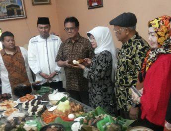 Ibunda Jokowi saat tasyakuran