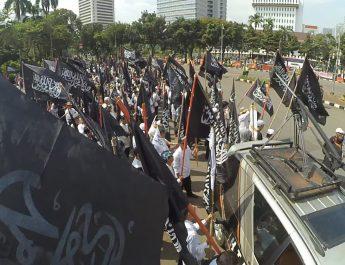 hizbut-tahrir-indonesia-syariah-dan-khilafah-bukan-ancaman-tetapi-membawa-rahmah-untuk-alam-2
