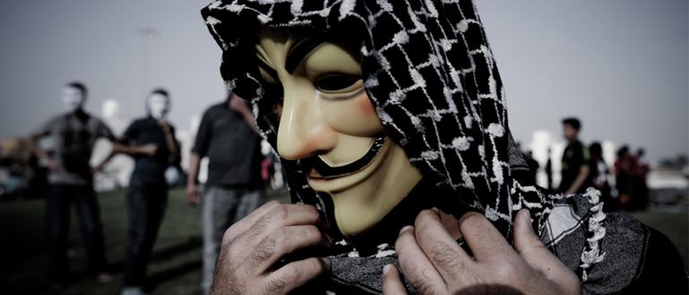 sosok-asli-muslim-cyber-army