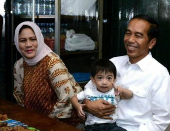 jokowi iriana jan ethes