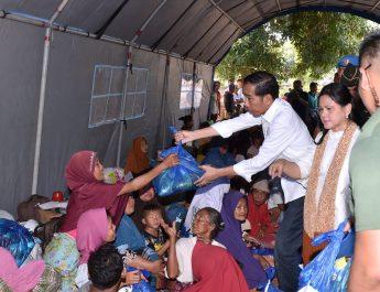 PRESIDEN dan korban gempa