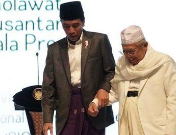 Tampak-mesra-Jokowi-Kh-Maruf-Amin-bagai-ayah-dan-anak-Foto-detik