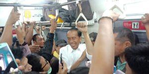 jokowi naik commuter line
