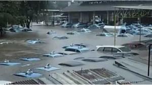 taksi kebanjiran