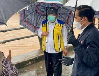 presiden tinjau banjir